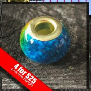 Jewelry - 🔥HOT SALE🔥 Sexy Sparkles Gold Toned Glass Bead